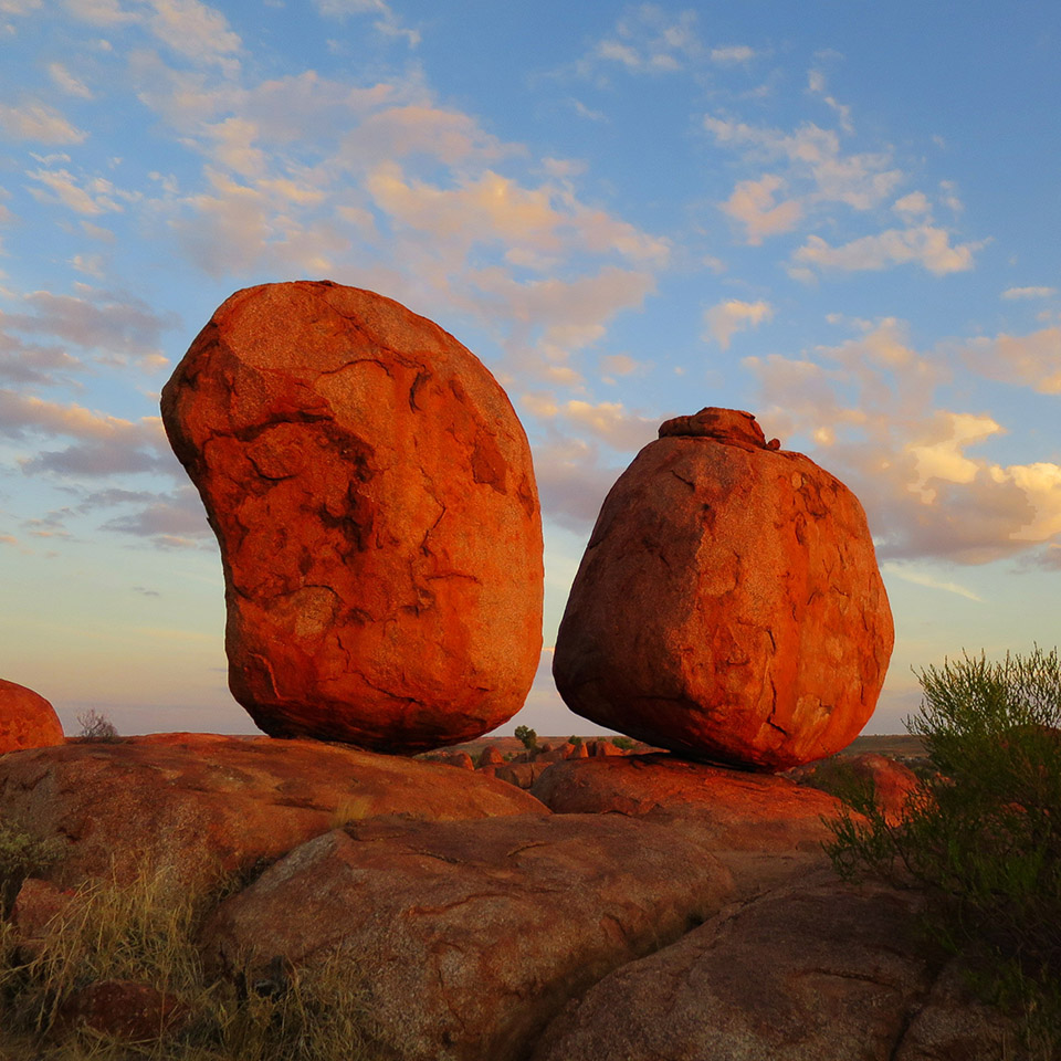 alice springs tour devils marbles