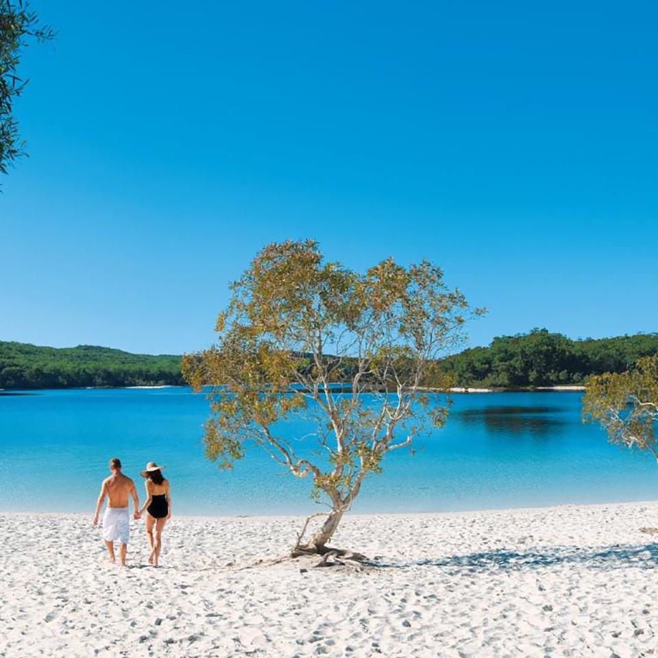 fraser island tour lake mckenzie