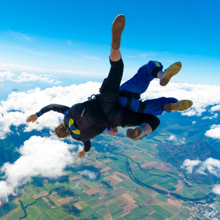 Skydive Cairns - freefalling