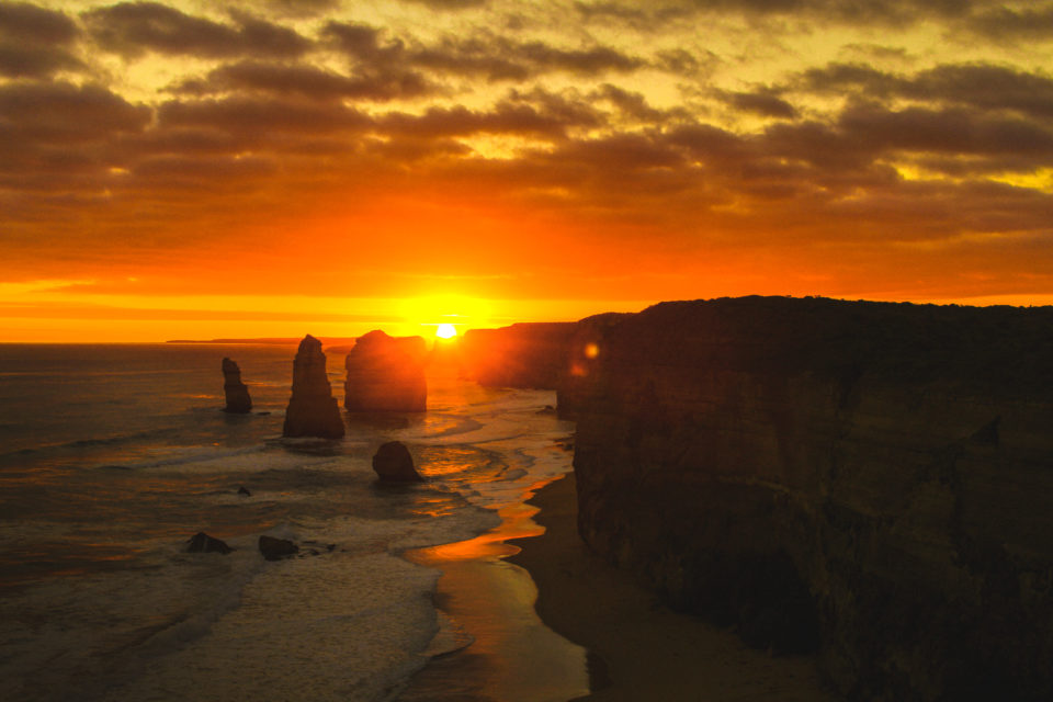 One Stop Adventures Great Ocean Road Day Tour twelve apostles sunset