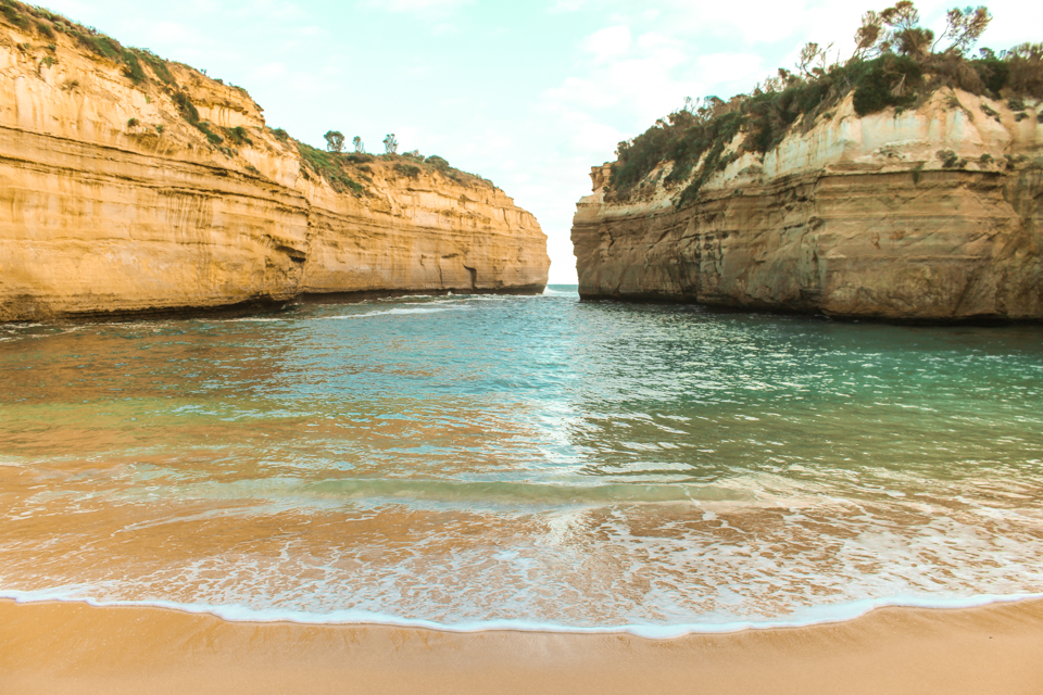 great ocean road bus tour loch ard gorge beach one stop adventures